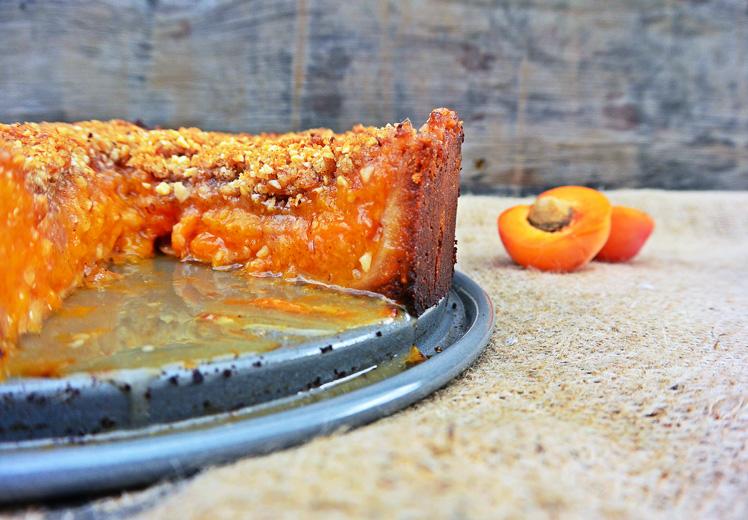 Apricot Crumble Tart