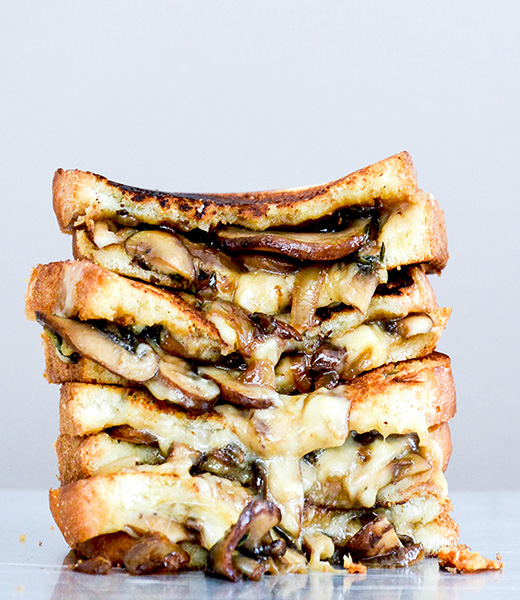 Mushroom, Onion and Stout Grilled Cheese Sandwiches | www.floatingkitchen.net