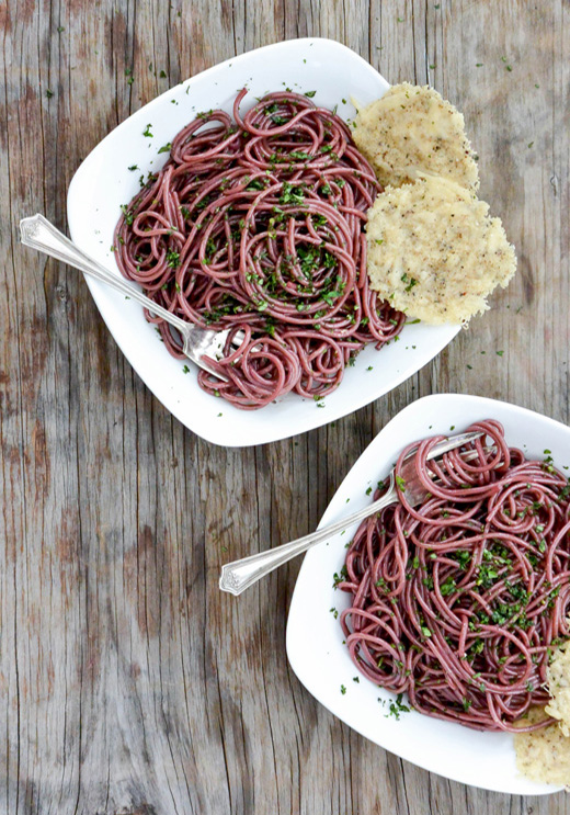 Red Wine Spaghetti with Black Pepper Parmesan Crisps | www.floatingkitchen.net