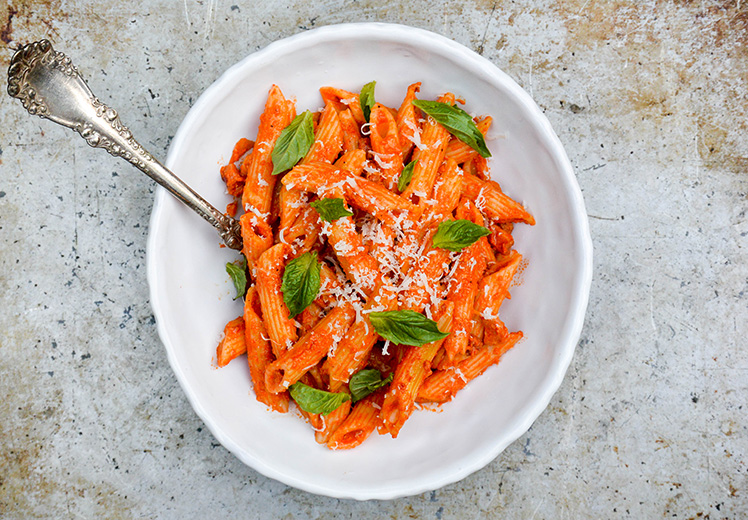 Penne Pasta with Roasted Red Pepper and Goat Cheese Sauce