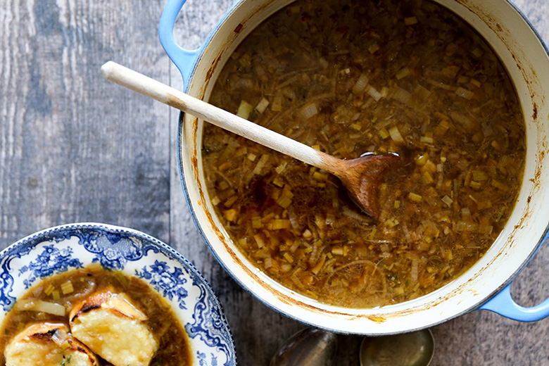 Three-Onion French Onion Soup | www.floatingkitchen.net
