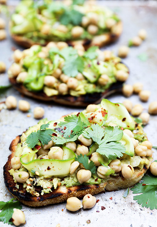 Avocado Toast with Spicy Marinated Chickpeas and Zucchini | www.floatingkitchen.net