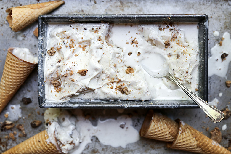 Tahini Ice Cream with Chocolate Chip Cookies | www.floatingkitchen.net