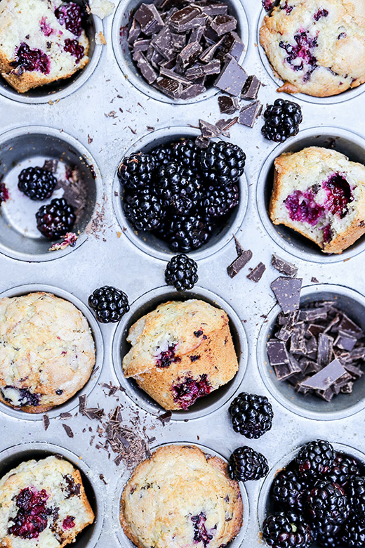 Blackberry-Chocolate Chunk Muffins | www.floatingkitchen.net