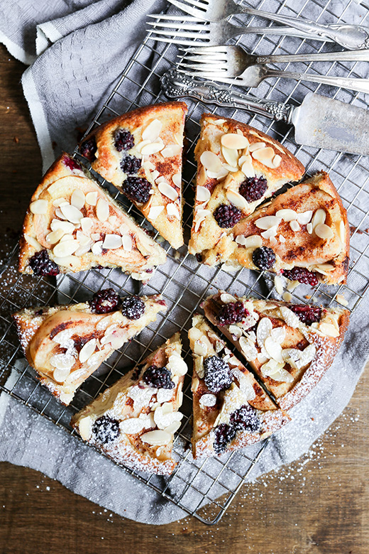 Pear and Blackberry Almond Cake | www.floatingkitchen.net