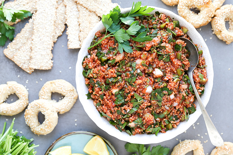Armenian Bulgur, Parsley and Tomato Salad {Eetch or Mock Kheyma}