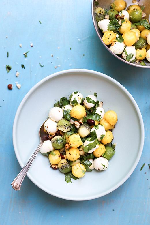 Tropical Summer Caprese Salad   www.floatingkitchen.net