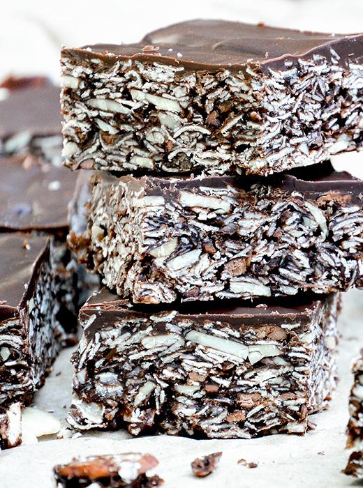 Chocolate-Almond Granola Bars | www.floatingkitchen.net