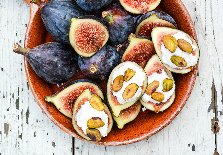 Fresh Figs with Lemon-Vanilla Ricotta and Toasted Pistachios