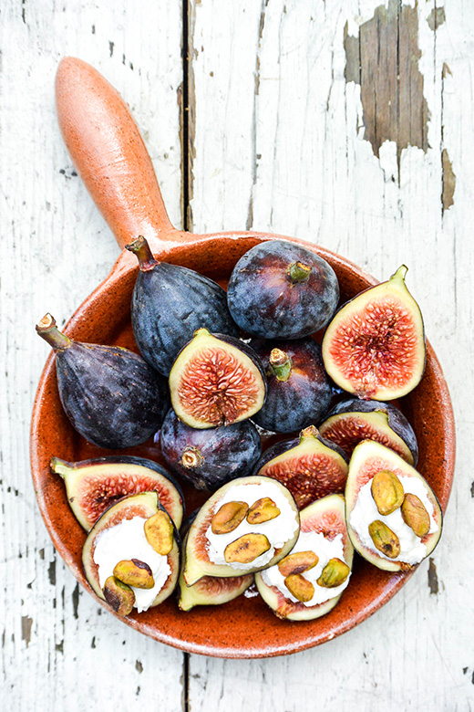 Fresh Figs with Lemon-Vanilla Ricotta and Toasted Pistachios   www.floatingkitchen.net
