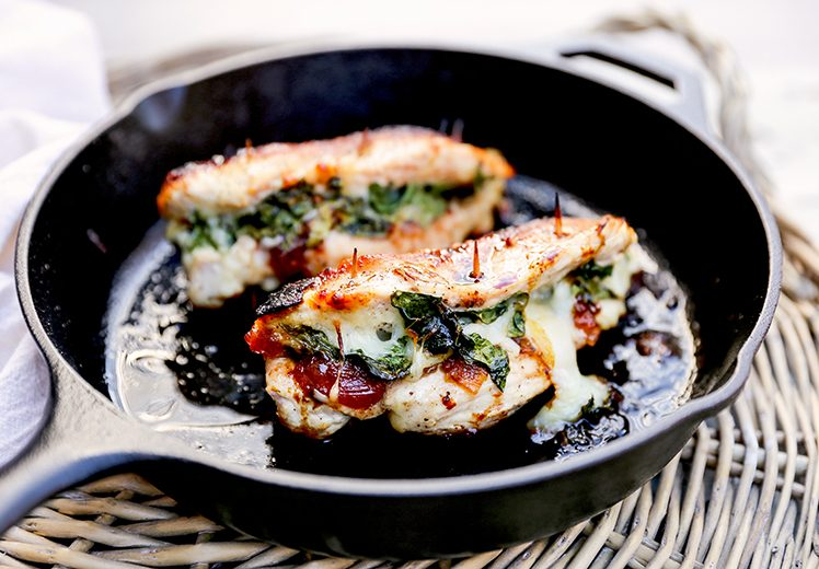 Apple-Cranberry Chutney, Spinach and Mozzarella Stuffed Chicken Breasts | www.floatingkitchen.net