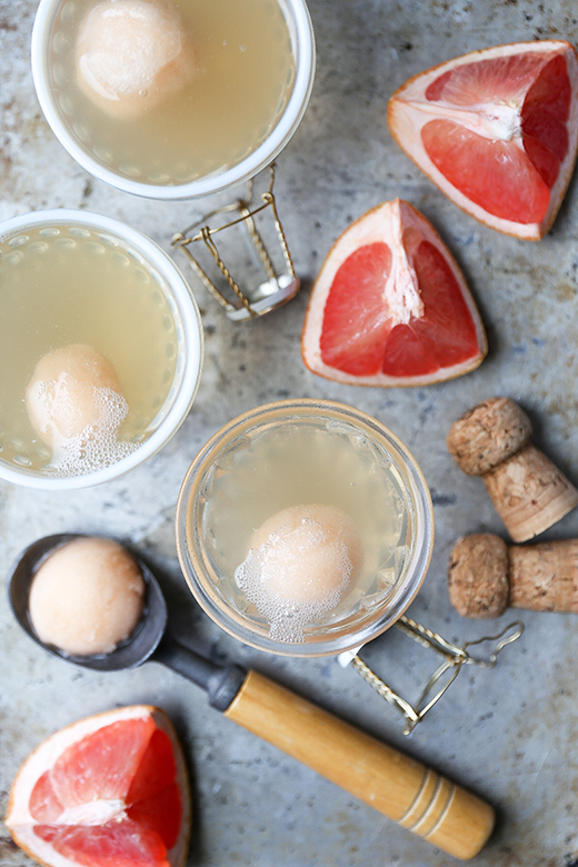 Pink Grapefruit-Champagne Sorbet Floats | www.floatingkitchen.net