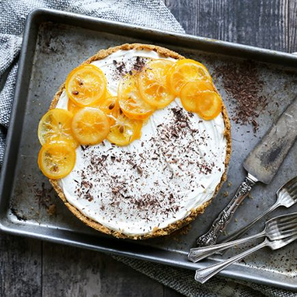 No-Bake Meyer Lemon Cheesecake with Chocolate Ganache Layer {Gluten-Free!} | www.floatingkitchen.net