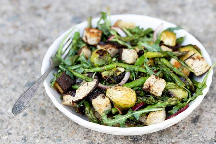 Roasted Asparagus and Brussels Sprout Panzanella Salad | www.floatingkitchen.net