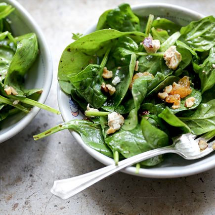 Wilted Spinach Salad with Hazelnuts, Goat Cheese and Raisins | www.floatingkitchen.net