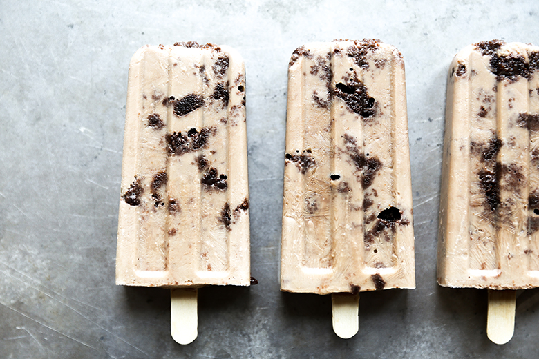 Guinness Popsicles with Irish Cream Soaked Brownies | www.floatingkitchen.net