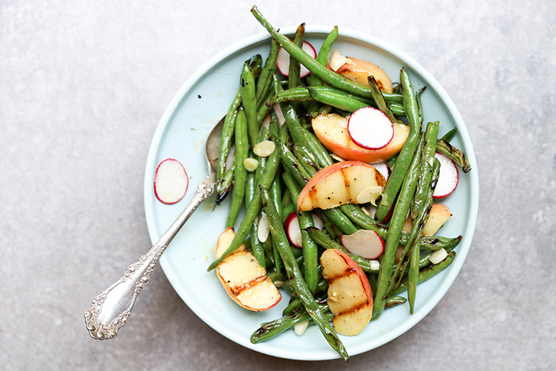 Grilled Green Bean and Apple Salad | www.floatingkitchen.net