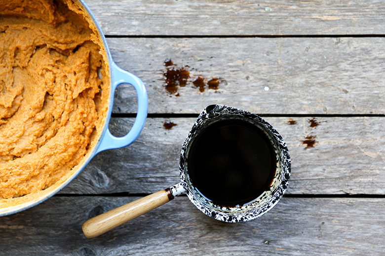 Vegan Mashed Sweet Potatoes with Tahini and Coffee | www.floatingkitchen.net