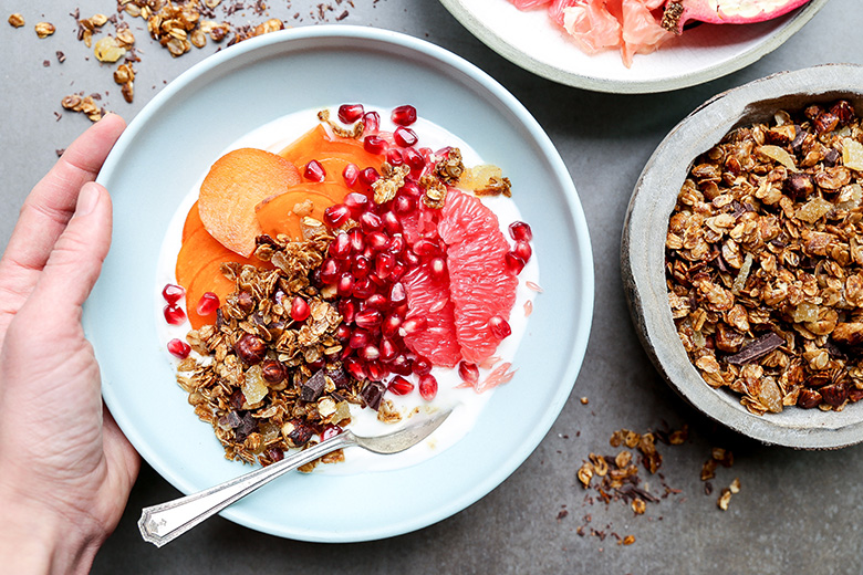 Winter Fruit and Yogurt Breakfast Bowls with Gingerbread Granola | www.floatingkitchen.net