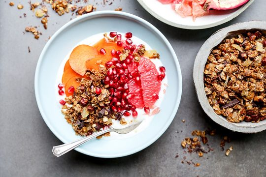 Winter Fruit and Yogurt Breakfast Bowls with Gingerbread Granola | www.floatingkitchen.net