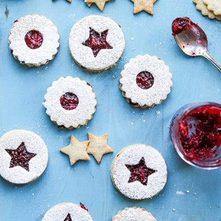 Hazelnut Linzer Cookies with Vanilla-Cranberry Jam | www.floatingkitchen.net