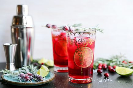 Sparkling Christmas Tree Cocktail | www.floatingkitchen.net