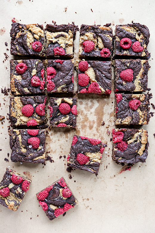Chocolate Peanut Butter Brownies with Raspberries | www.floatingkitchen.net