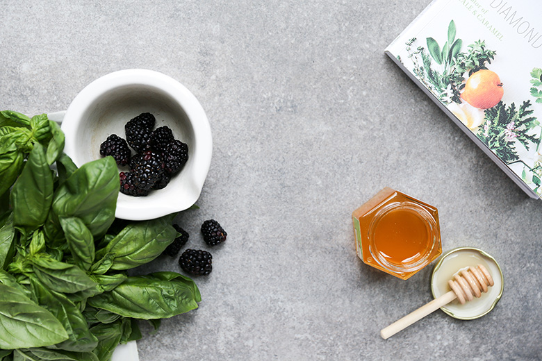 Blackberry Basil Healing Mask | www.floatingkitchen.net