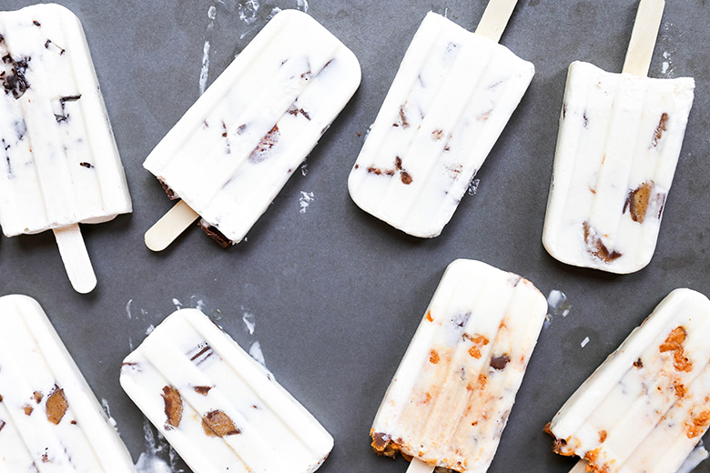 Movie Theater Candy Cheesecake Popsicles | www.floatingkitchen.net