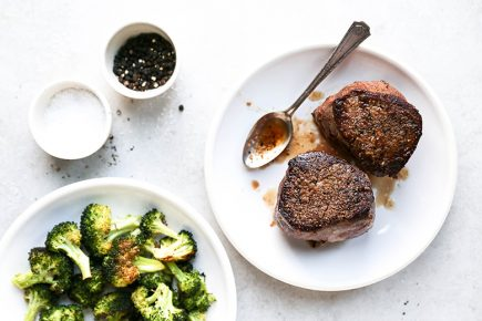 How to Cook the Perfect Filet Mignon | www.floatingkitchen.net