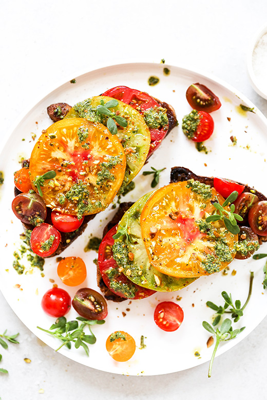 Heirloom Tomato Toast with Purslane Pesto | www.floatingkitchen.net