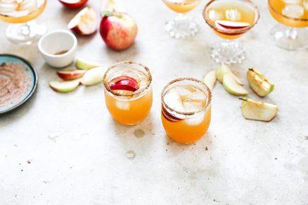 Apple Cider and Ginger Beer Bourbon Cocktails | www.floatingkitchen.net
