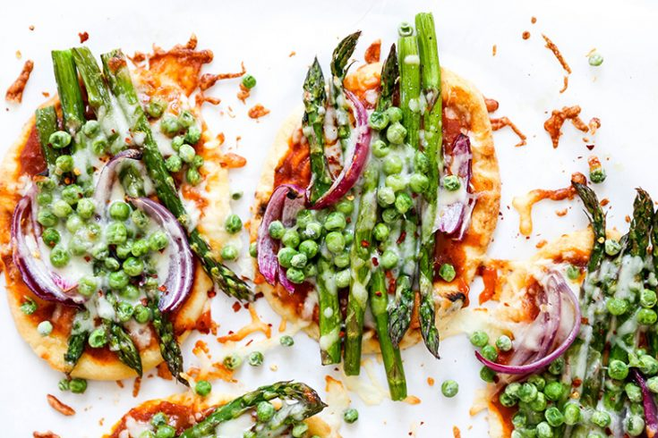 Easy Asparagus and Pea Curry Naan Pizza