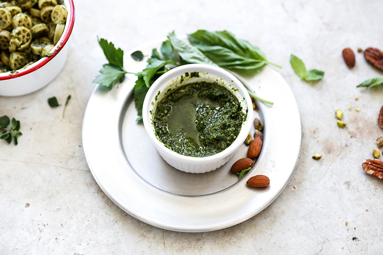 Vegan Mixed Herb and Nut Pesto | www.floatingkitchen.net