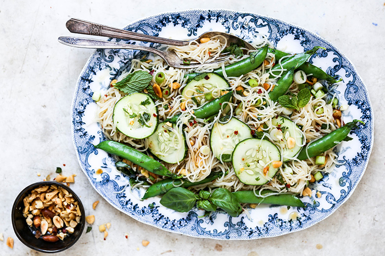 Crunchy Cold Noodle Salad | www.floatingkitchen.net