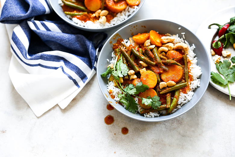 Vegan Potato and Green Bean Curry | www.floatingkitchen.net