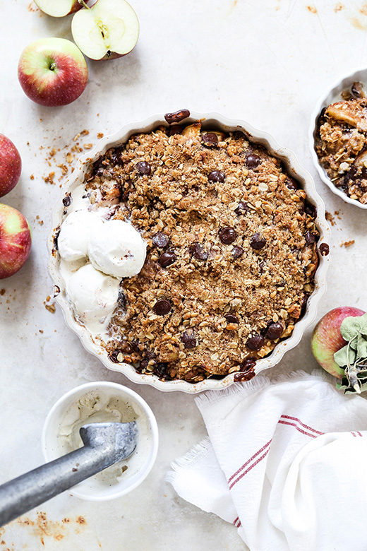 Apple Crisp with Ginger and Dark Chocolate | www.floatingkitchen.net