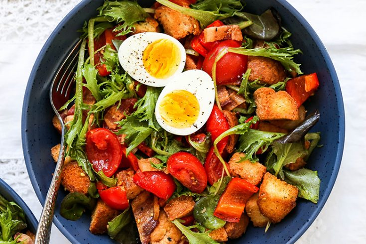 Red Pepper and Tomato Breakfast Panzanella Salad