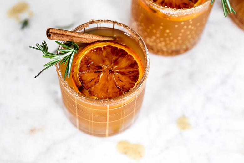 Apple Cider, Bourbon and Amaretto Cocktails with Brûléed Oranges | www.floatingkitchen.net