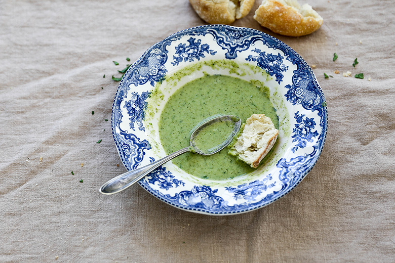 Creamy Broccoli Celery Soup with Coconut | www.floatingkitchen.net