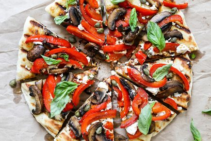 Grilled Red Pepper, Mushroom and Goat Cheese Pizza | www.floatingkitchen.net