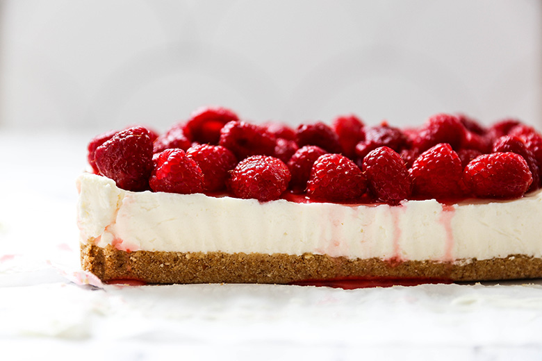 Small Batch No-Bake White Chocolate and Lavender Cheesecake with Raspberries | www.floatingkitchen.net