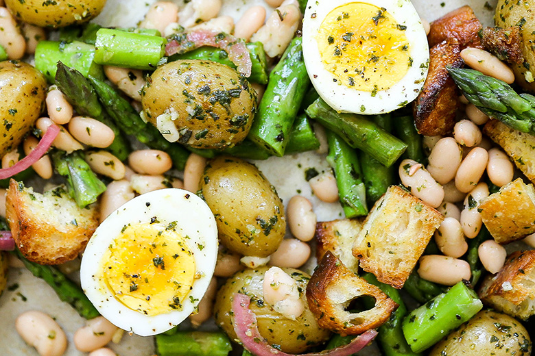 Spring Pistou Panzanella Salad with Asparagus, Potatoes and White Beans | www.floatingkitchen.net